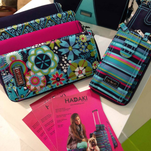 Photo Hadaki Dixie Daisie Wallets