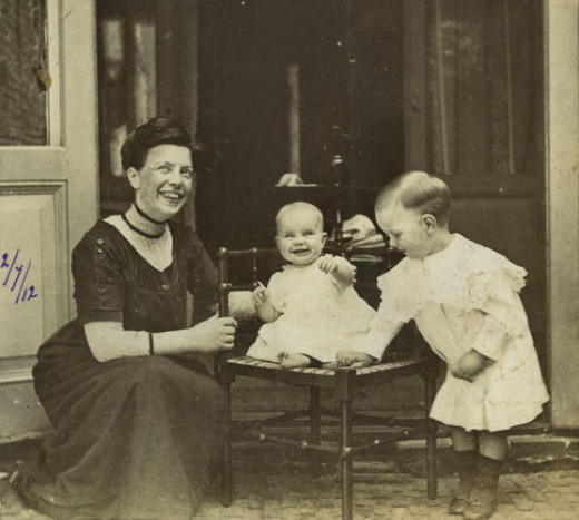 Synco with his mom and little sister Heleen