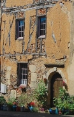 Finding a house in France