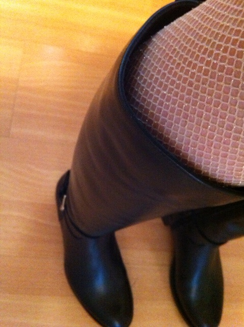 And with some thin stockings. (Love those metallics for holidays!)