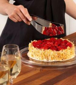 Using a Magisso Cake Cutter