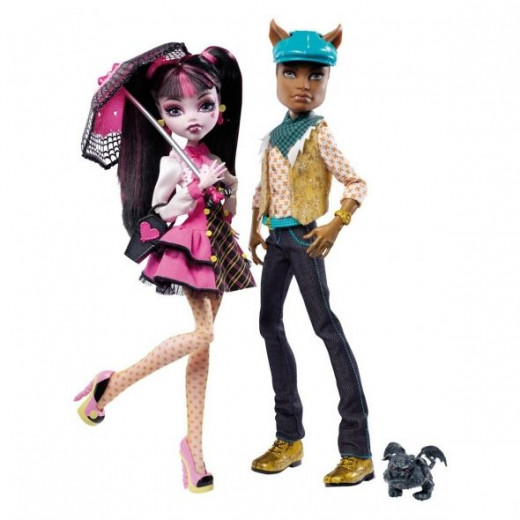 Here's A Monster High Doll Gift Set With Draculaura And Clawd (BMOC) Wolf in it.  This is a great addition to a Monster High doll collection.  The image is from Amazon and the gift set is sold on this page.