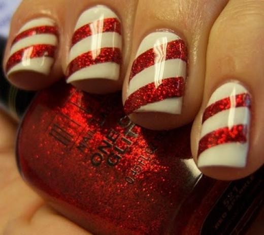 Candy Cane Nails... What's not to LOVE? Photo & Technique: Chloes Nails