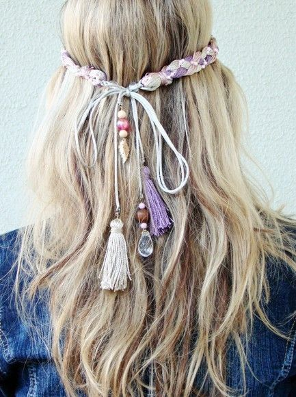 http://lifehairstyles.blogspot.com/2012/03/beachy-boho-chic-hair.html