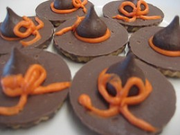 You can make an easy version of witch hat cookies by using the back side of store-bought fudge-striped cookies.