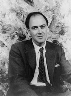 Biography of Roald Dahl - Famous Novelist and Poet