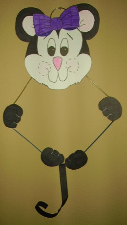 Wire hanger crafts for Coat hanger art projects