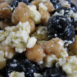 Chickpea Salad with Black Olives and Feta
