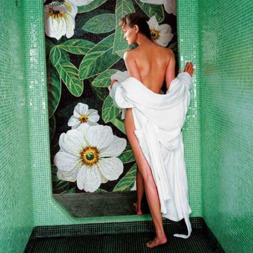Stimulating shower gel.