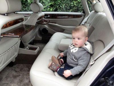 Lots of legroom in the back of a LWB Jag. (Daimler Super V8)