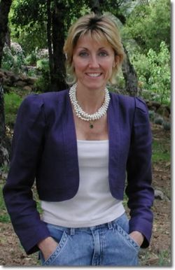 Dr. Delia Viader