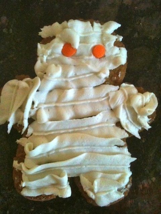 Mickie_G's second mummy cupcake topper